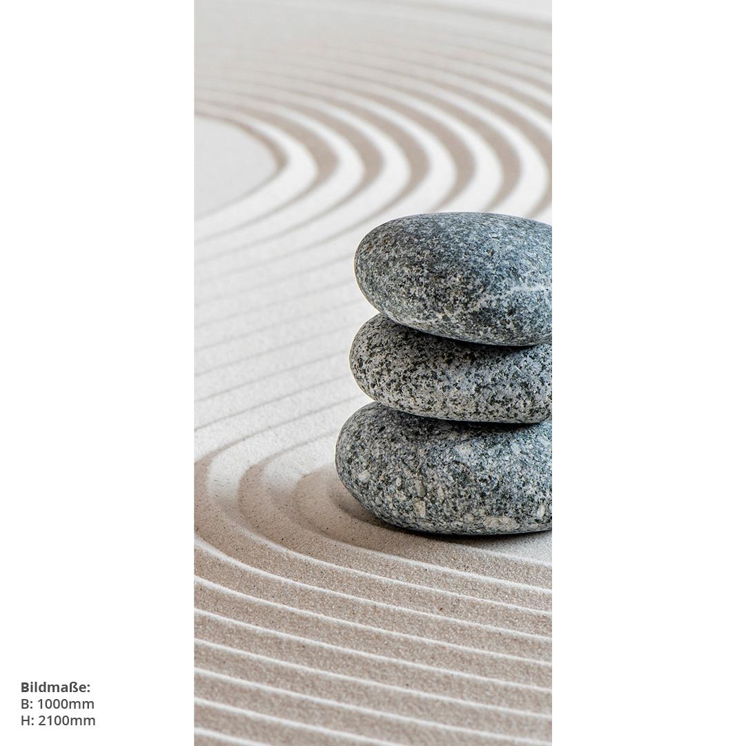 Zensteine im Sand Dusche